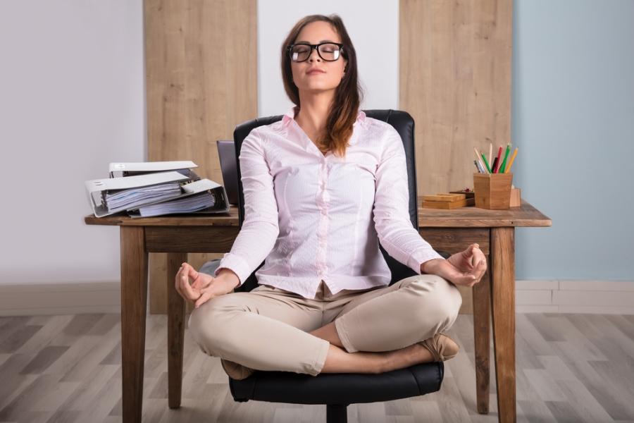shutterstock_621972731_meditating